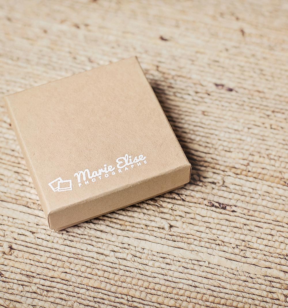 Packaging Marie Elise photographe Nouveau-Né, Grossesse, et Bébé à Lausanne
