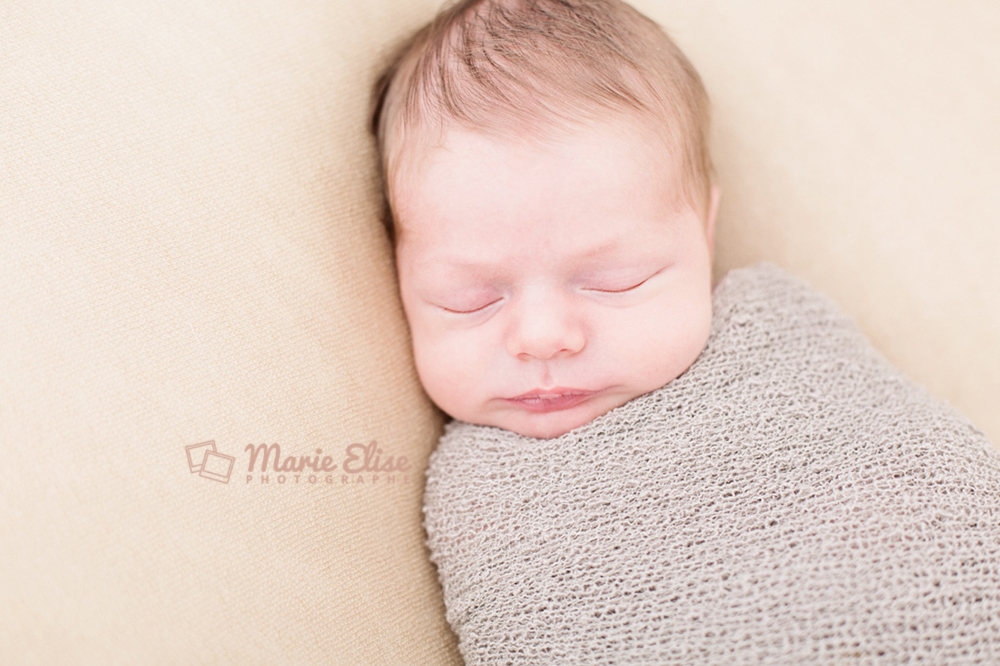 Séance photo Nouveau-né à Yverdon-les-Bains - Bébé Alix