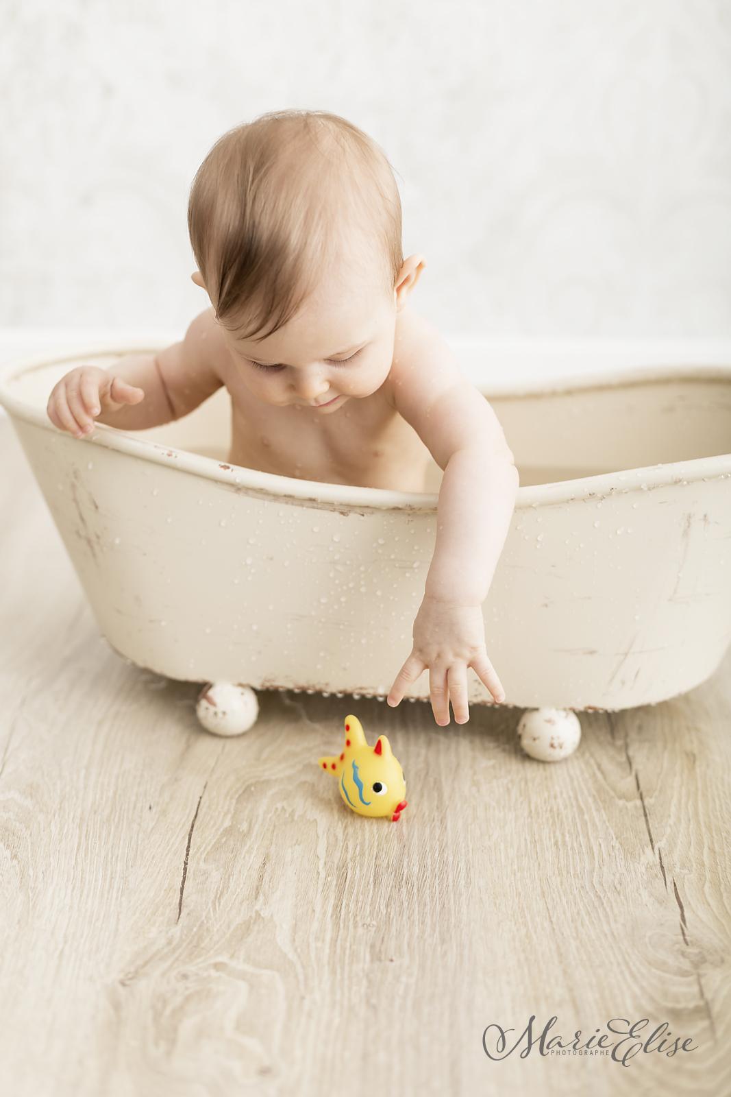 Bébé dans le bain Morges